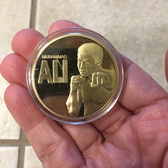 Other - New Muhammad Ali gold plated coin